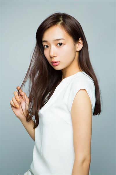 nonno専属モデルの岡田紗佳(おかださやか)日本プロ麻雀連盟